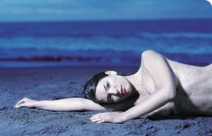 woman-lying-down