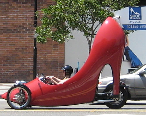 http://blindgossip.com/wp-content/uploads/2010/01/big-shoe.jpg