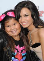 Demi Lovato Siblings on Is Exactly The Opposite Demi Lovato And Sister     Blindgossip Com