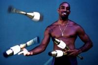 man juggling 2