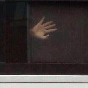 hand window