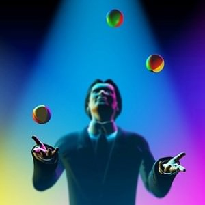 man juggling 3