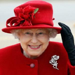 queen elizabeth 3 red