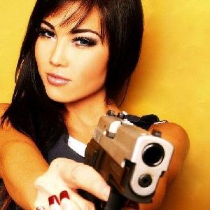 woman gun 2