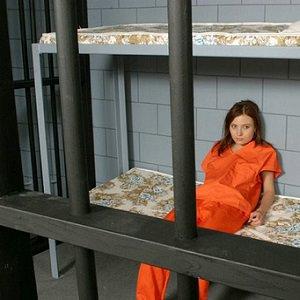 woman-jail-1