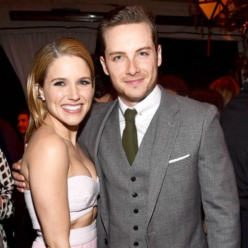 who is sophia bush currently dating